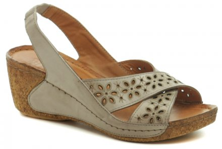 6708f864f0796 Karyoka 2267 béžové dámske sandále na kline